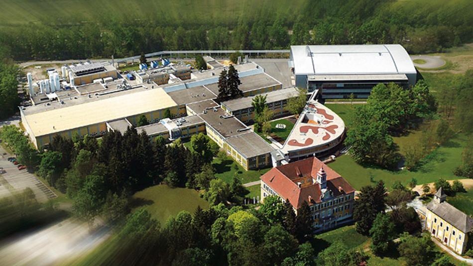 Der Firmensitz in Unterpremstätten in Österreich: Das Gebäude rechts oben im Bild beheimatet die neue Fertigungslinie.