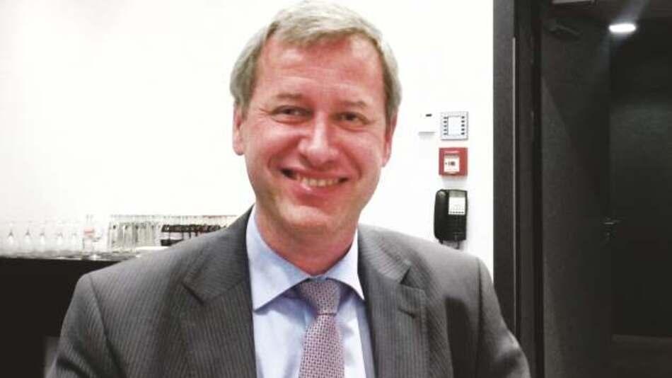 Rudi de Winter, X-Fab: »Derzeit gibt es rund 1000 Wafer-Fabs, viele in der Hand von IDMs, wovon einige nicht effizient arbeiten. Somit existieren viele Firmen, die ihre Kosten senken könnten, wenn sie mit einer Foundry zusammenarbeiten.«