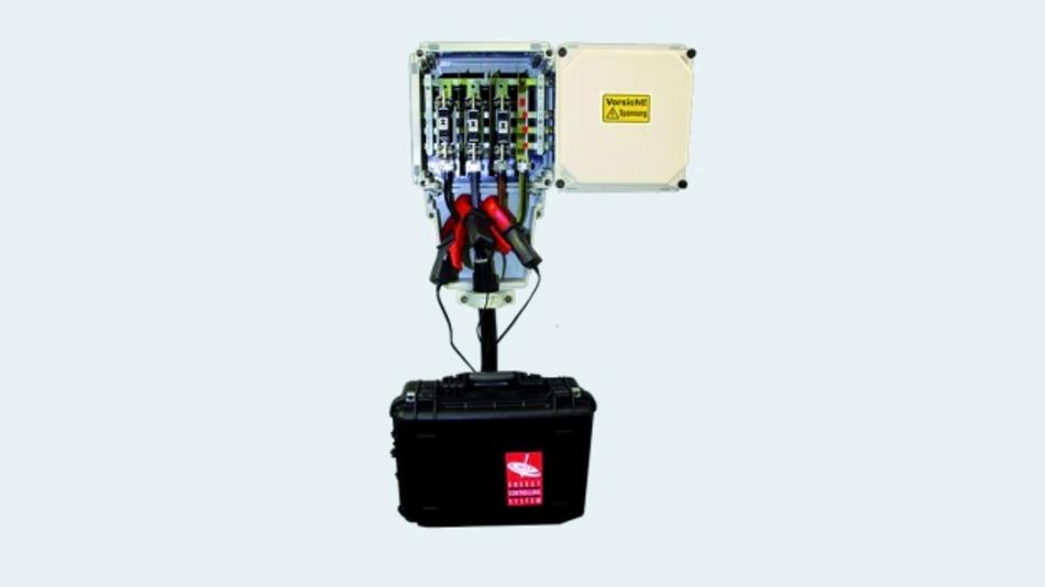 Bild 3. Mobiler Messkoffer mit Stromzangen für zeitweilige Messung an Verbrauchern.
