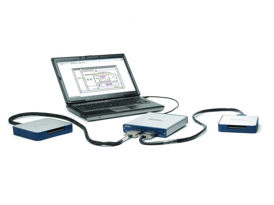 Diese Boxen bzw. OEM-Versionen als Boards (Bild 1 und im Aufmacherfoto) basieren auf der LabVIEW-RIO-Architektur (Reconfigurable Input-Output), sie bieten acht Analogeingänge, acht Analogausgänge und 48 Digital-I/O-Leitungen.