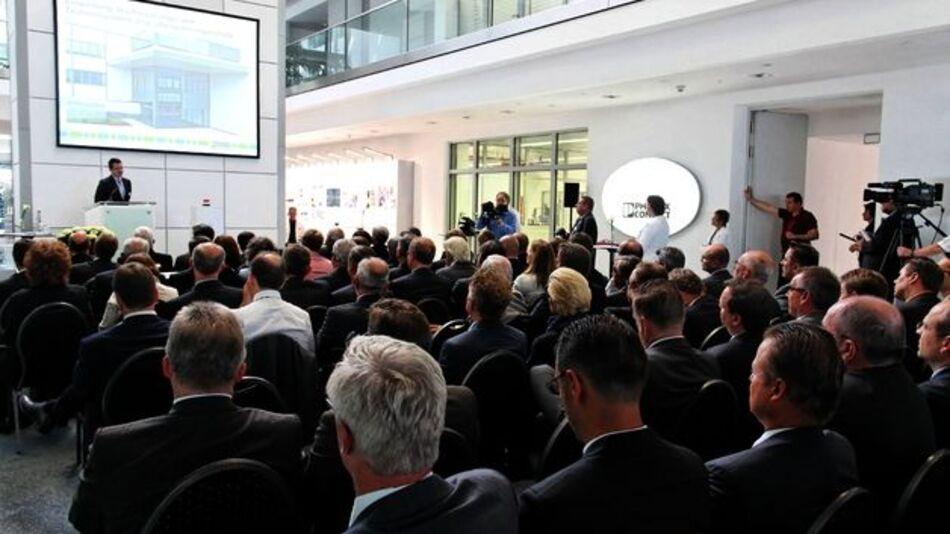 Phoenix Contact hat das neue Forschungs- und Entwicklungszentrum für den Überspannungsschutz offiziell eröffnet