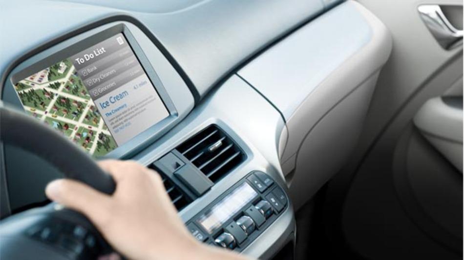 Intel In-Vehicle Solutions sollen OEMs und Tier1s die Möglichkeit geben,  Sicherheits- und Infotainment-Funktionen im Fahrzeug schneller zu entwickeln.