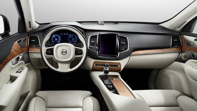 Wirkt edel und aufgeräumt: Das Innenraumkonzept des Volvo XC90.