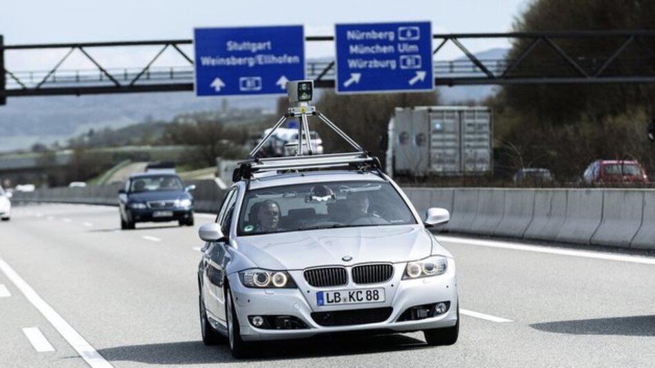 Technisch werden immer neue Fortschritte beim autonomen Fahren erzielt. Juristisch sind jedoch noch viele Probleme ungelöst.