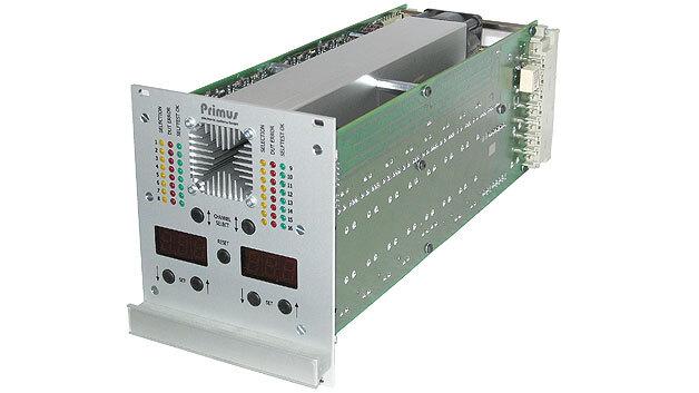 Bild 1. Das 19-Zoll-Stromsenkenmodul CS960 (3 HE/22 TE) bietet 16 Kanäle, die jeweils mit 60 W belastbar sind.