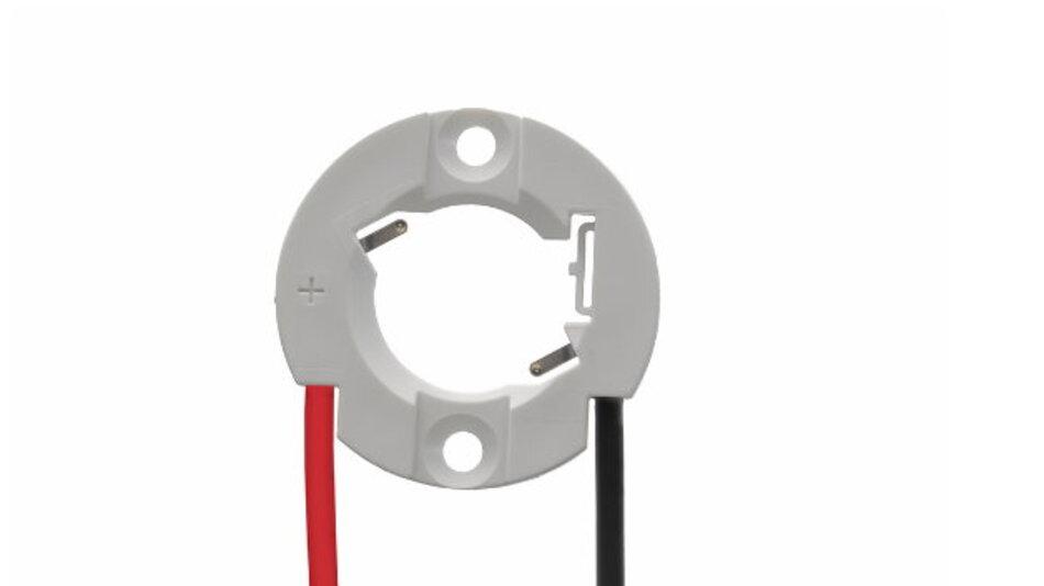 Ein Problem bei der Entwicklung leistungsfähiger LED-Beleuchtungskörper für Aktzentbeleuchtungen ist es, eine Sekundäroptik möglichst nahe an die Lichtquelle heran zu bringen. Neue vorverdrahtete Halter von Molex können den Abstand reduzieren.