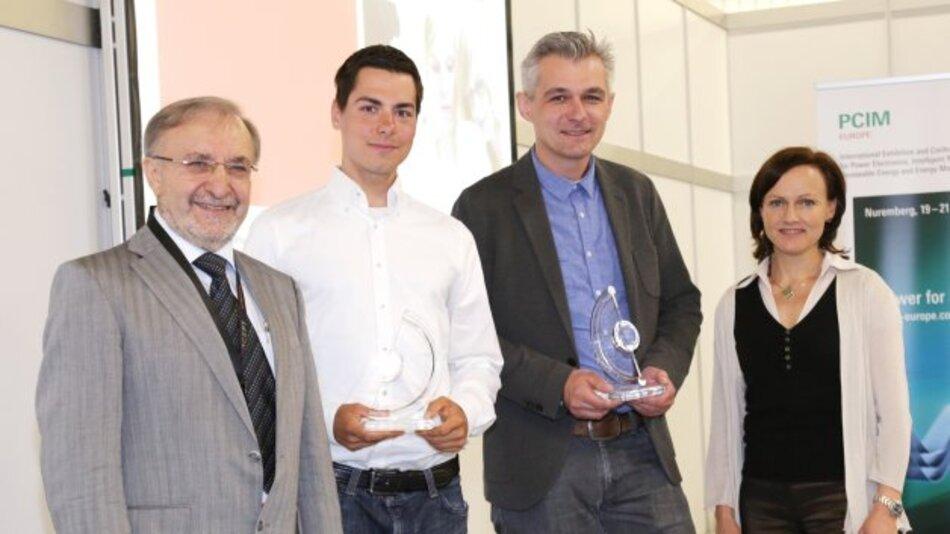 Prof. Leo Lorenz, Benjamin Zeller Dr. Johann Miniböck und Betttina Heidenreich Martin (von links) bei der Überreichung des Semikron Innovationspreises und des Young Engineer Awards auf der PCIM 2014.