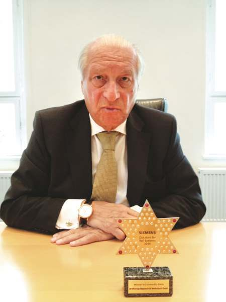 Hilmar Kraus, MTM Power: »Wir werden 2016 eine neue Produktionshalle zur Fertigung von Lösungen im Bereich der Ladetechnik für E-Mobility- und Bahntechnikanwendungen in Mellenbach errichten. Eine Fertigung im Ausland käme für uns nur in enger Zusammenarbeit mit Kunden wie Siemens oder Alstom in Betracht.«