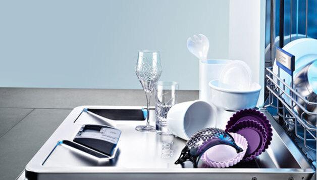 Zurück Weiter Zeolith Geschirrspüler Sorgen Für Gleichermaßen Exzellente  Trocknungs  Und Glanzergebnisse: Edle Gläser, Hochwertiges Porzellan, ...
