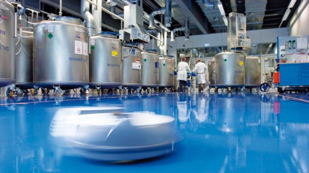 Gerade große Biobanken arbeiten mit flüssigem Stickstoff und verzichten damit auf die elektrische Kühlung. Trotzdem ist die Infrastruktur von der automatischen Auftankung über die Fernüberwachung bis hin zu vollautomatischen Reinigungssystemen im hohen Maße elektrifiziert.