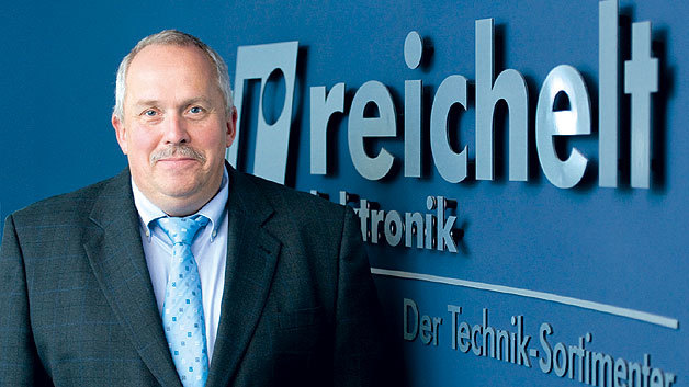 """Ulf Timmermann, CEO von Reichelt Elektronik: """"Wenn Sie sich einen Rennfahrer anschauen, dann entspricht der Katalog dem Fahrer und der Online Shop der Straße."""""""
