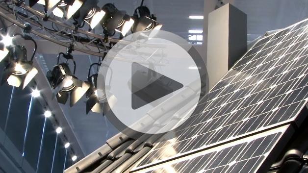 Angestrahltes Solarpanel auf der Intersolar 2014