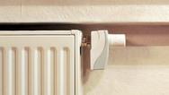 KfW-gemäß: Der »en:key«-Ventilregler ist wie der Raumsensor energieautark. Ein Thermogenerator bzw. Solarzellen erzeugen den Betriebsstrom. Zusätzlicher Nutzen: Für die Installation müssen keine Leitungen verlegt werden, denn auch die Kommunikation m