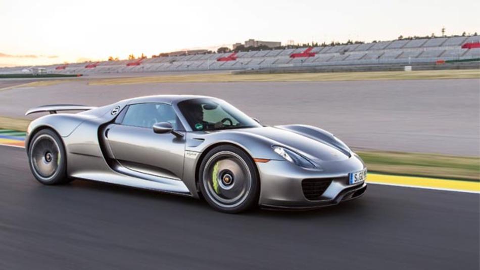 Der Porsche 918 Spyder verfügt über ein auf HTML5-basierendes Infotainment-System aus dem Hause s1nn.