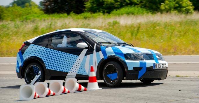 Visio.M-Projekt zeigt im Fahrtest Bestleistungen in Effizienz und Fahrdynamik.