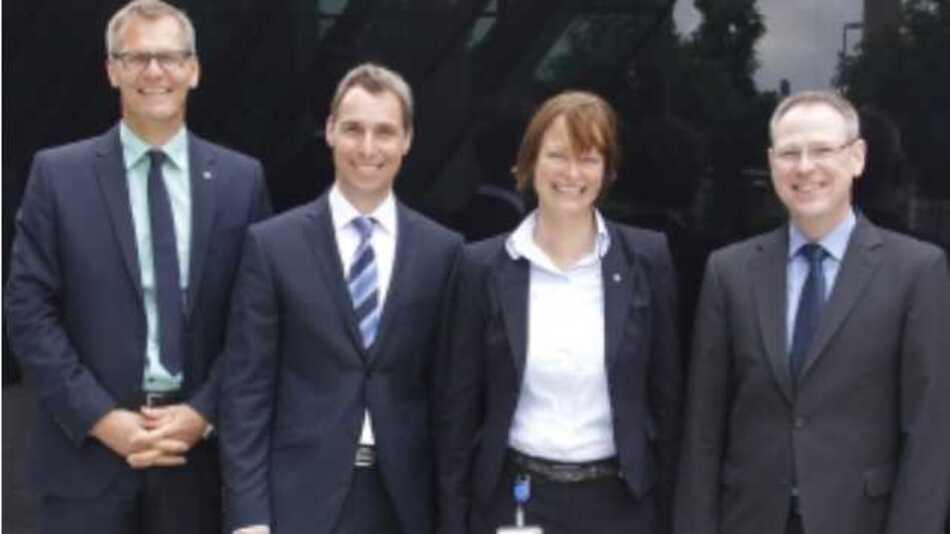 Neue Partner: (v. l.) Markus Berger (Bereichsleiter Vertrieb Hahn+Kolb),  Heiko Kern (Geschäftsleitung Vertrieb Mahr Esslingen),  Katrin Hummel (Bereichsleiterin Einkauf, Logistik und Marketing Hahn+Kolb)  und Martin Hochmuth (Bereichsleiter Produkt Hahn+Kolb).
