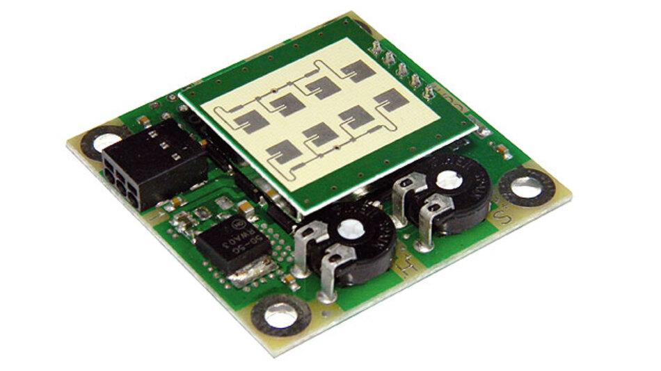 Bild 6. Bewegungsmelder RFA-1: Als OEM-Modul für Bewegungsmelder und als Evaluierungs-Board geeignet. Besonderheit ist die Low-Power-Option, die mittels Brückenkontakt ein- und ausgeschaltet werden kann. Im Low Power ¬Mode wird der Radar-Transceiver gepulst betrieben.