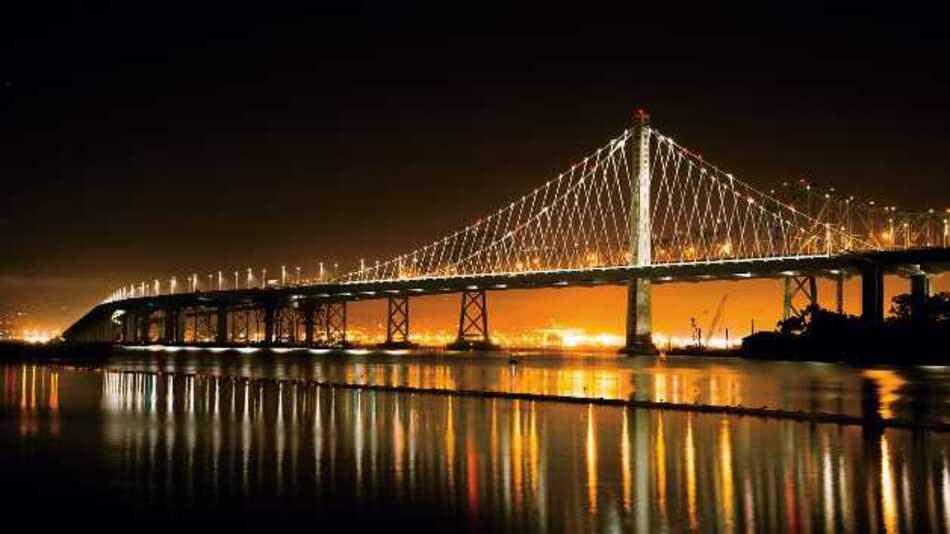 Passgenaue LED-Leuchten am östlichen Brückenbogen ermöglichen Energieeinsparungen von 50 Prozent