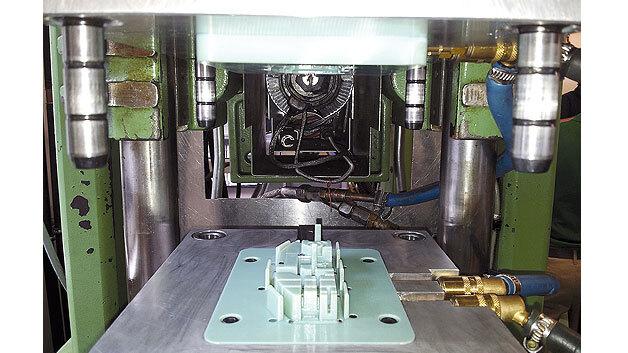 Beispiel für ein mit Stratasys-3D-Techniken hergestelltes 3D-gedrucktes Spritzgießwerkzeug.
