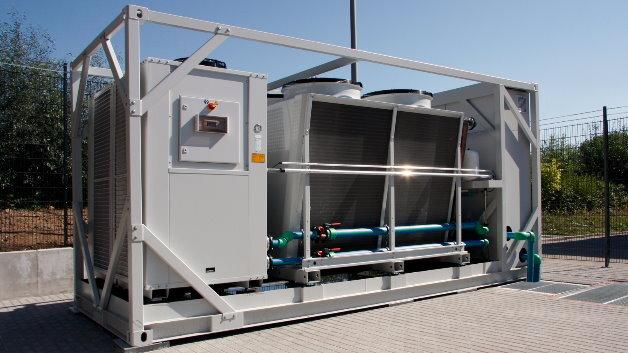 Passend zum modularen, standardisierten Rechenzentrum RiMatrixS hat Rittal auch ein passendes Kühlmodul (indirekte Freikühlung) im Angebot.