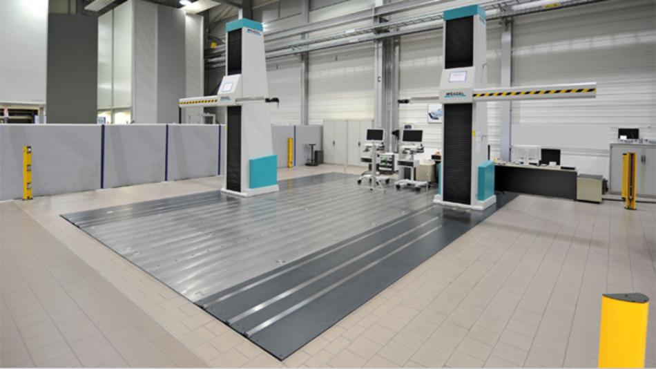 Bild 1: Ein »RAX«-Duplexsystem im Messraum bei VW in Wolfsburg