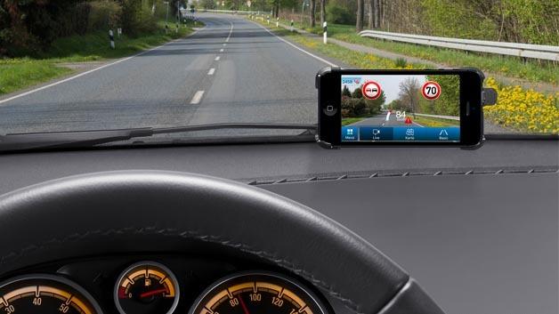 Erkennt Verkehrszeichen: die App myDriveAssist aus dem Hause Robert Bosch.