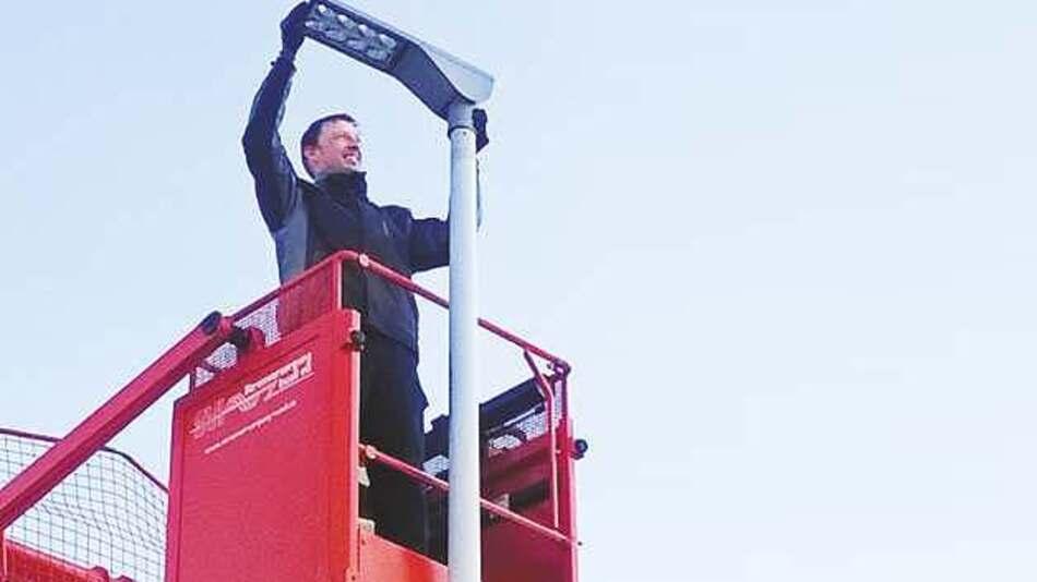 Für die Erneuerung der Straßenbeleuchtung in Inzell wurden 107 Leuchten ausgetauscht.
