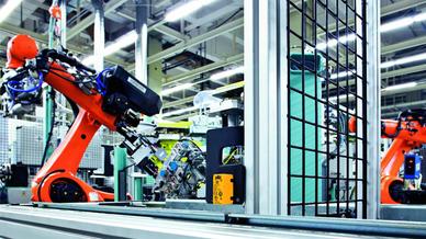Intelligente Sensoren dienen bei der Mensch Roboter Kooperation zur Positionsüberwachung