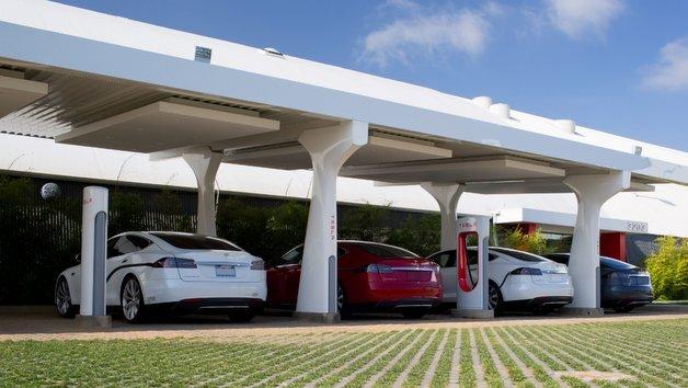 Supercharger-Ladestation von Tesla.