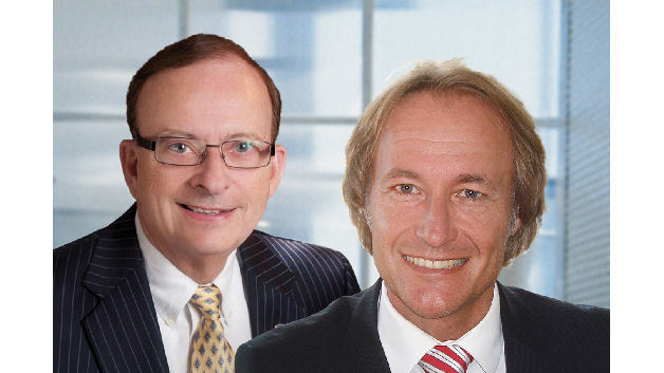 Stefan Eber freut sich über die neue Zusammenarbeit mit Digi-Keys Präsidenten Mark Larson.