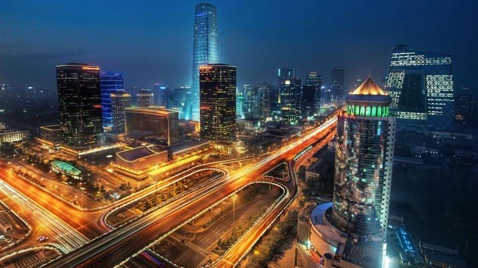 Auf dem Weg zu intelligenten Mobilitätskonzepten und zur Smart City spielt ein intelligentes Verkehrsmanagement eine wichtige Rolle.