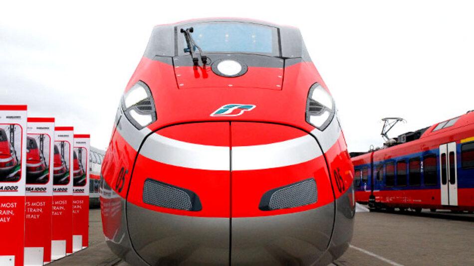 ETR1000 »Frecciarossa«, der neueste Hochgeschwindigkeitszug der Trenitalia.
