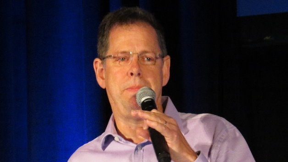 ARMs CTO Mike Muller stellte in seiner Keynote mbed OS vor.