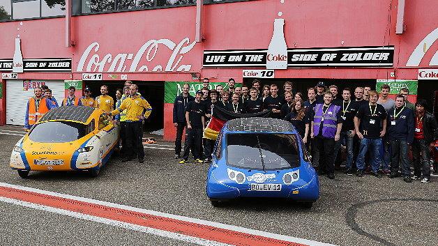 SolarWorld GT und SunCruiser mit ihren Teams.