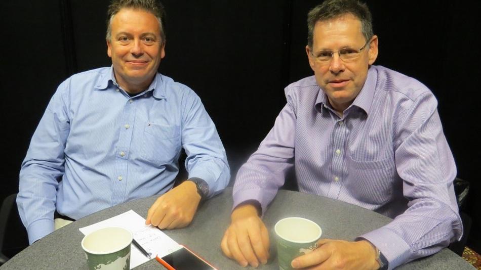 ARMs CTO Mike Muller (rechts) im Gespräch mit Elektronik-Redakteur Frank Riemenschneider.