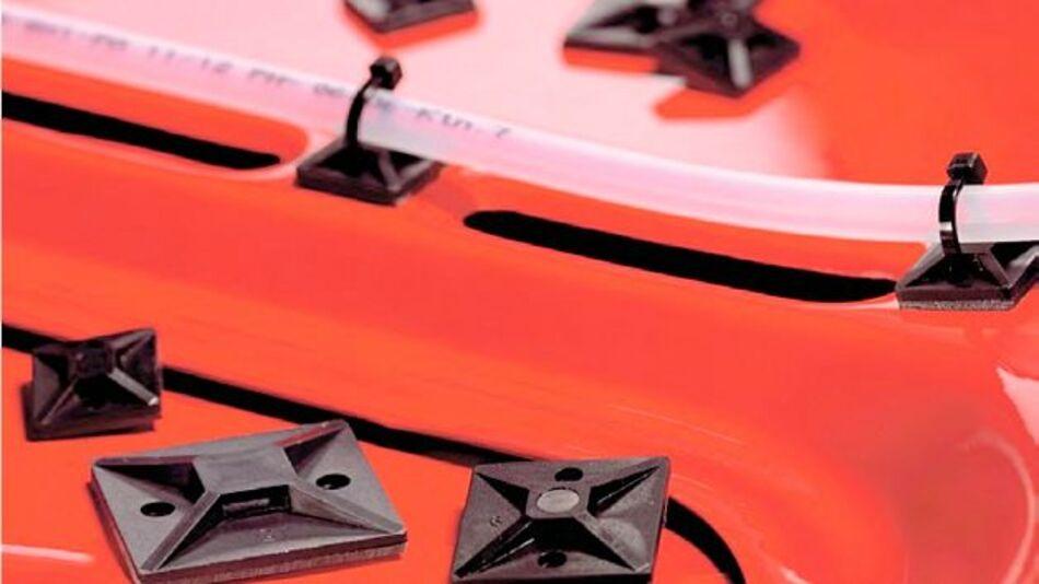 Im Sortiment von Distrelec finden sich zum Beispiel die SolidTack Montagesockel von HellermannTyton