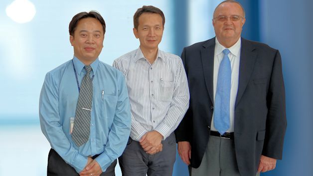 Jonathan Liao (Sales Manager, TAI-SAW), Dr. Yu-Tung Huang (Chairman, TAI-SAW), Gerd Reinhold (Produktmarketing FCP, WDI AG)