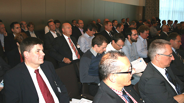 ... und die Qualität der Veranstaltung stimmt, wofür auch die Aufmerksamkeit der Teilnehmer spricht.