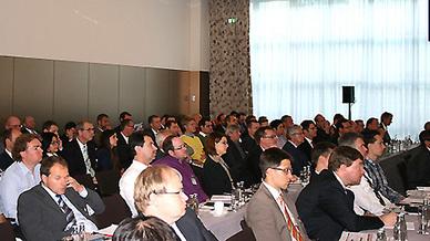 Teilnehmer des Summit Industrie 4.0 im Jahr 2014