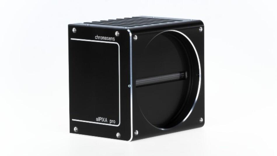 Besonders hohe Zeilenfrequenzen erreicht die CCD-Farbzeilenkamera »allPIXA pro« von Chromasens.