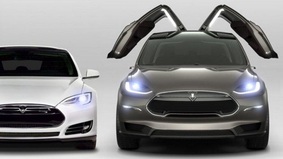 Außergewöhnliche Optik: Das Model X ist mit Flügeltüren ausgestattet.