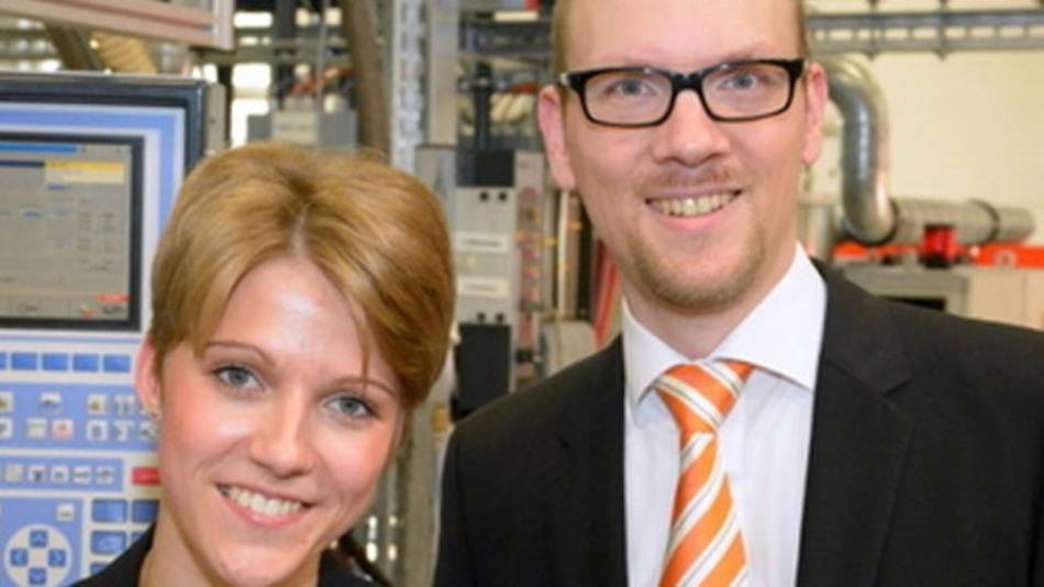 Melanie Gallinat mit ihrem Mentor Dr. Markus Köster, Technologieentwickler bei Weidmüller.