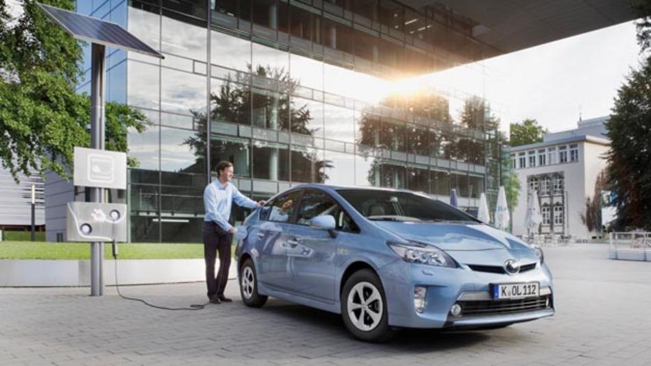 Toyota prüft die Alltagstauglichkeit von Elektrofahrzeugen in zusätzlichen Tests.