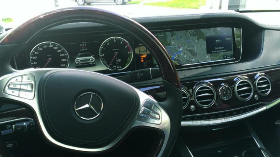 Die neue S-Klasse von Mercedes-Benz setzt im Infotainment auf MOST150.