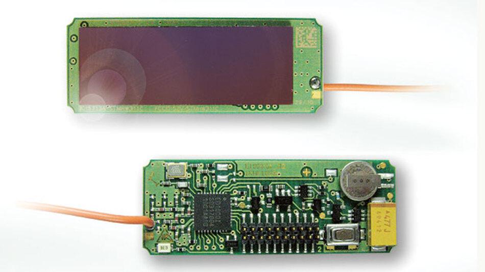 Bild 2. Miniaturisierte, effiziente Solarmodule nutzen das Innenlicht, um Funksensoren mit Energie zu versorgen. Mit dieser Energy-Harvesting-Technik lassen sich batterielose Präsenzmelder oder Licht-Intensitätssensoren umsetzen. Diese liefern per Funk die für eine intelligente Lichtsteuerung benötigten Daten.