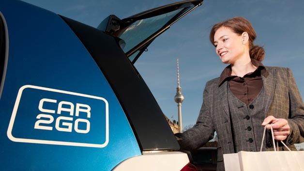Ab sofort können Car2go-Nutzer ihr gemietetes Fahrzeug auch per Smartphone öffnen.