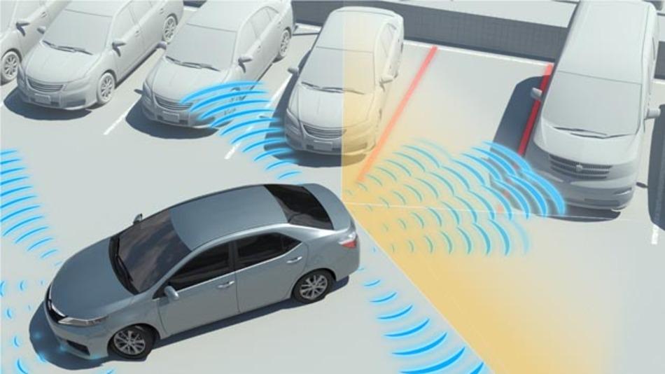 Der Einparkassistent von Toyota übernimmt auf Wunsch den Einparkvorgang und kann auch eine automatische Notbremsung einleiten.