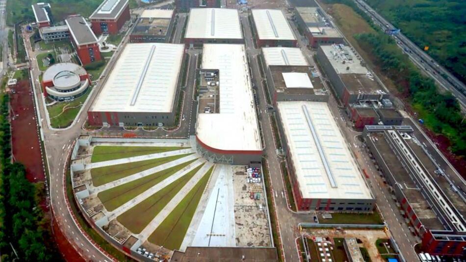 Die Gesamtfläche des Komplexes beträgt 25.000 m2