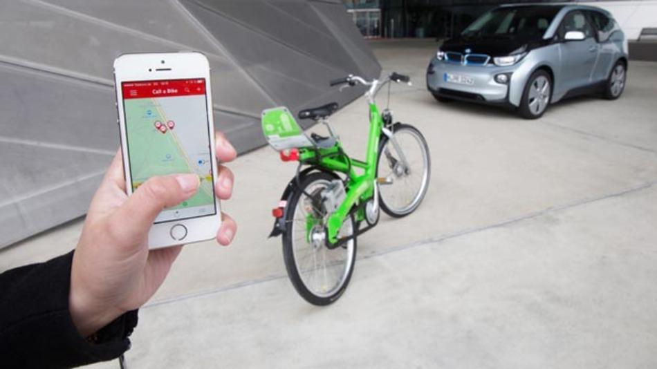 Das DB-Fahrrad-Vermietsystem Call a Bike wird in die intermodale Routenführung für den BMW i3 mit aufgenommen.