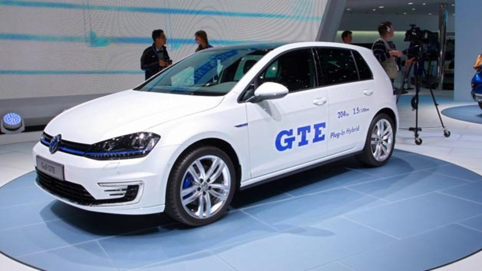 Der VW Golf GTE steht seit dem 05.12.2014 für Probefahrten beim Händler zur Verfügung.